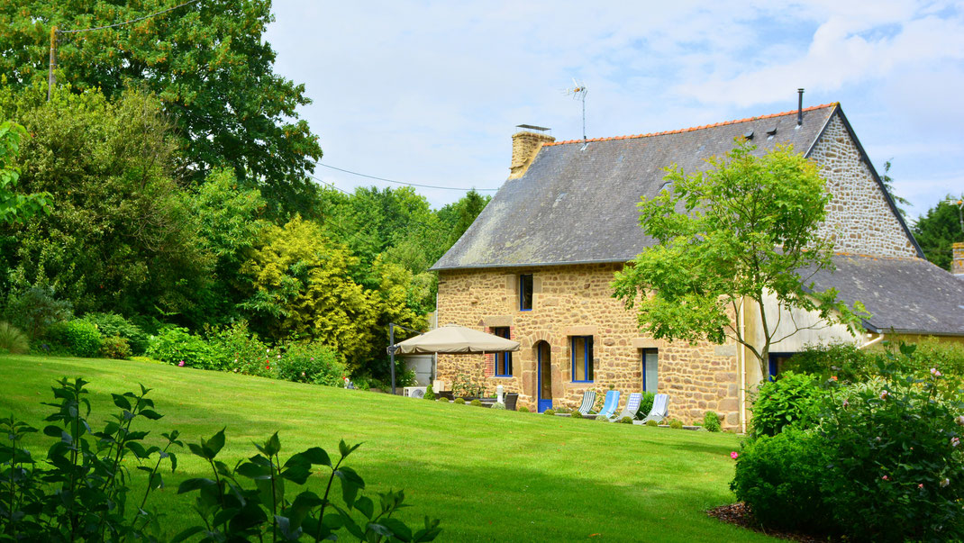 Gîte 4 étoiles aux Jardins de la Pérouse du Mitan, près de Fougères, non loin du Mont Saint Michel.
