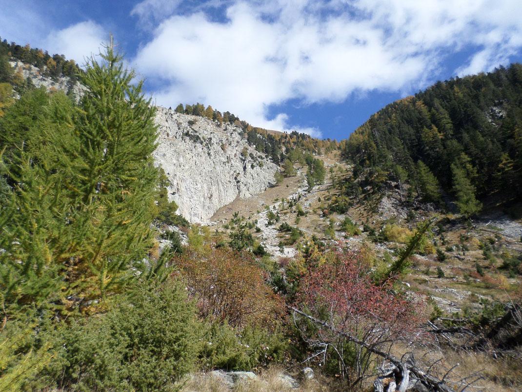 La barre dela  Lèche qui peut constituer un couloir d'avalanche en hiver