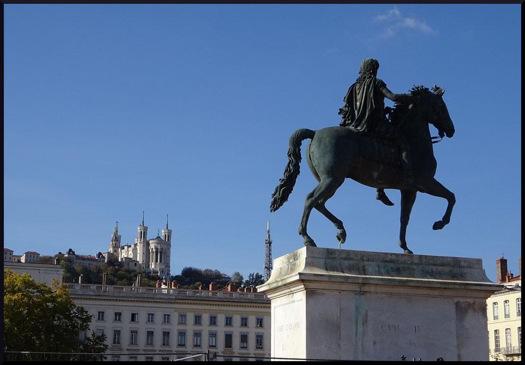 La statue équestre sur la place Bellecour