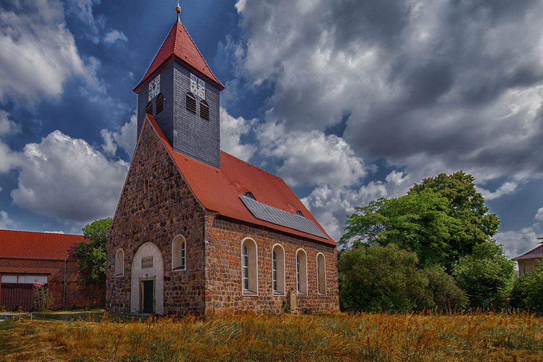 Dorfkirche in Blönsdorf in Teltow-Fläming-Brandenburg
