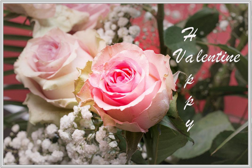 Grusskarte zum Valentinstag - Rosenstrauss rosa mit Schleierkraut beschriftet und gerahmt