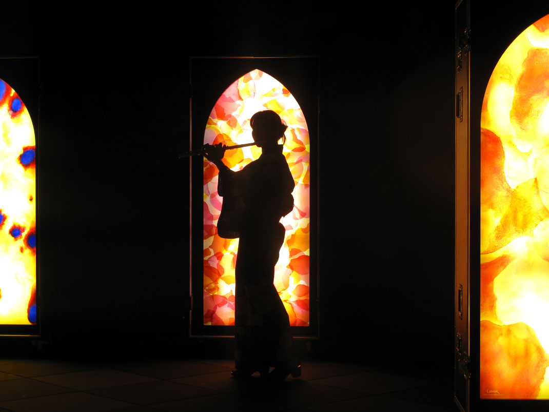 Nuit de Lumière 2017/  IN-EI-performance/ Kaori Wakabayshi-Flûte traversière/ Sylvie Lander-Light Cases/ Strasbourg/ 2017, #SylvieLander