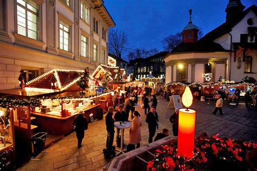 Weihnachtsmarkt Luzern am Franziskanerplatz - (c) Lozärner Wiehnachtsmärt