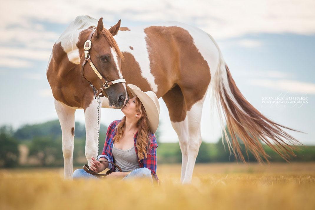 Paint Horse Cowgirl Pferdefotos Schmusebilder