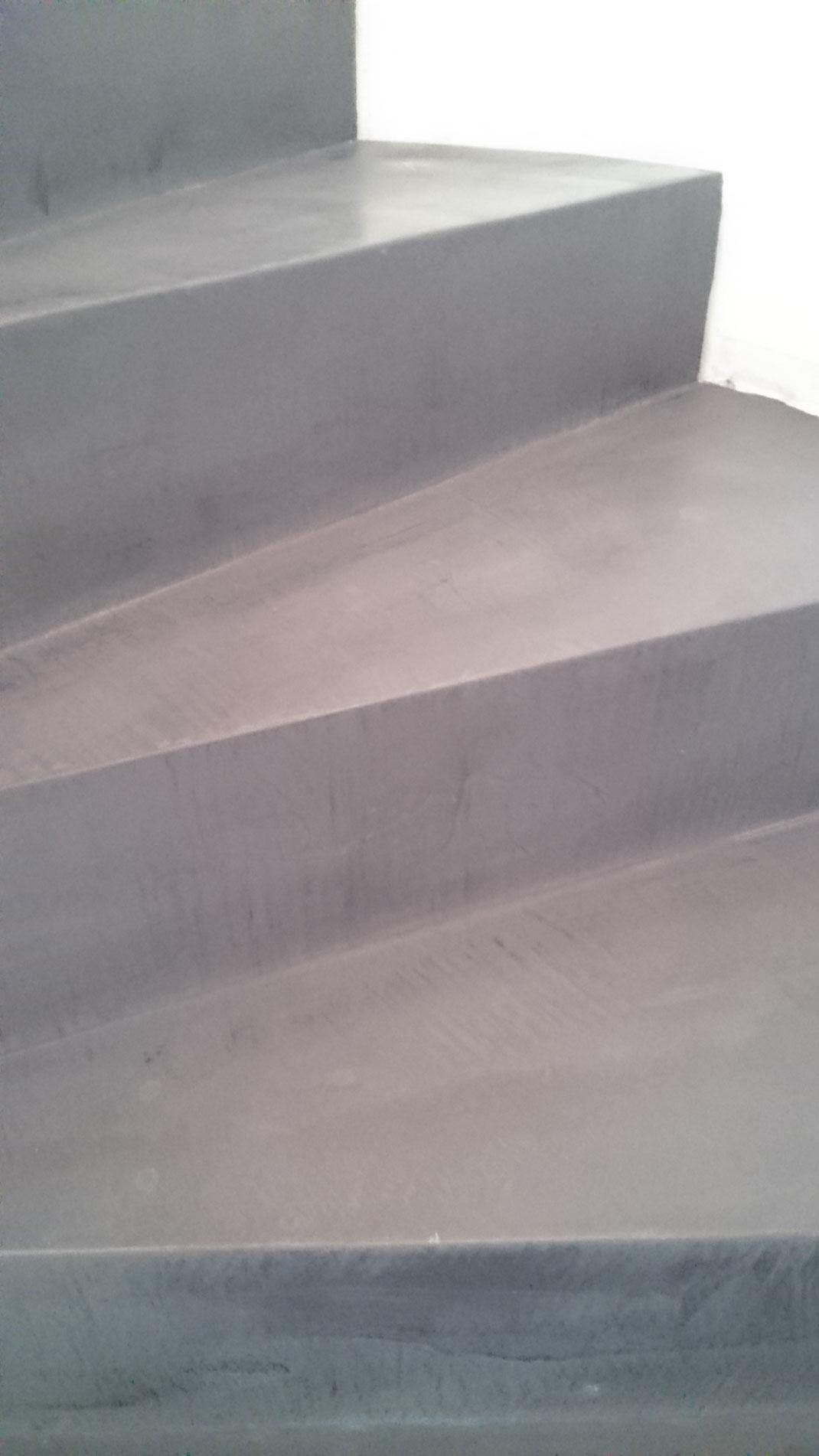 Sichtbeton Verkleidung beton ciré treppe nonnast raum beton design