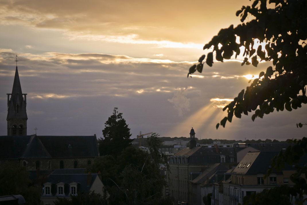 Coucher de soleil sur la ville - Le Mans