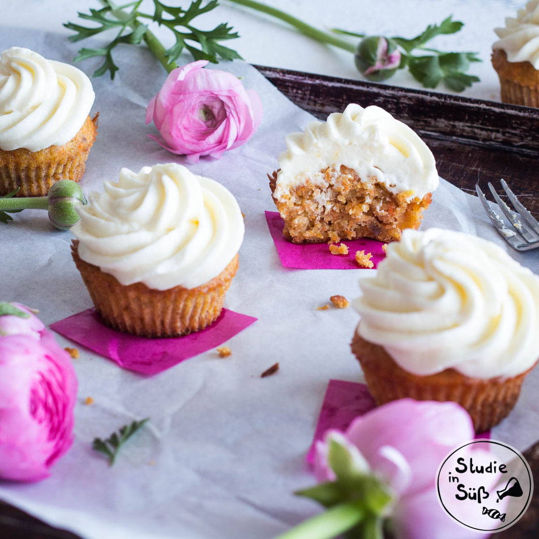 Rezept für Rüblikuchen Cupcakes mit Frischkäsefrosting