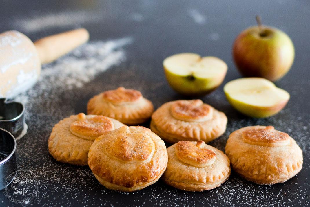 Rezept für köstliche Apfeltaler mit einer Füllung aus Apfelmus und Crème Fraîche
