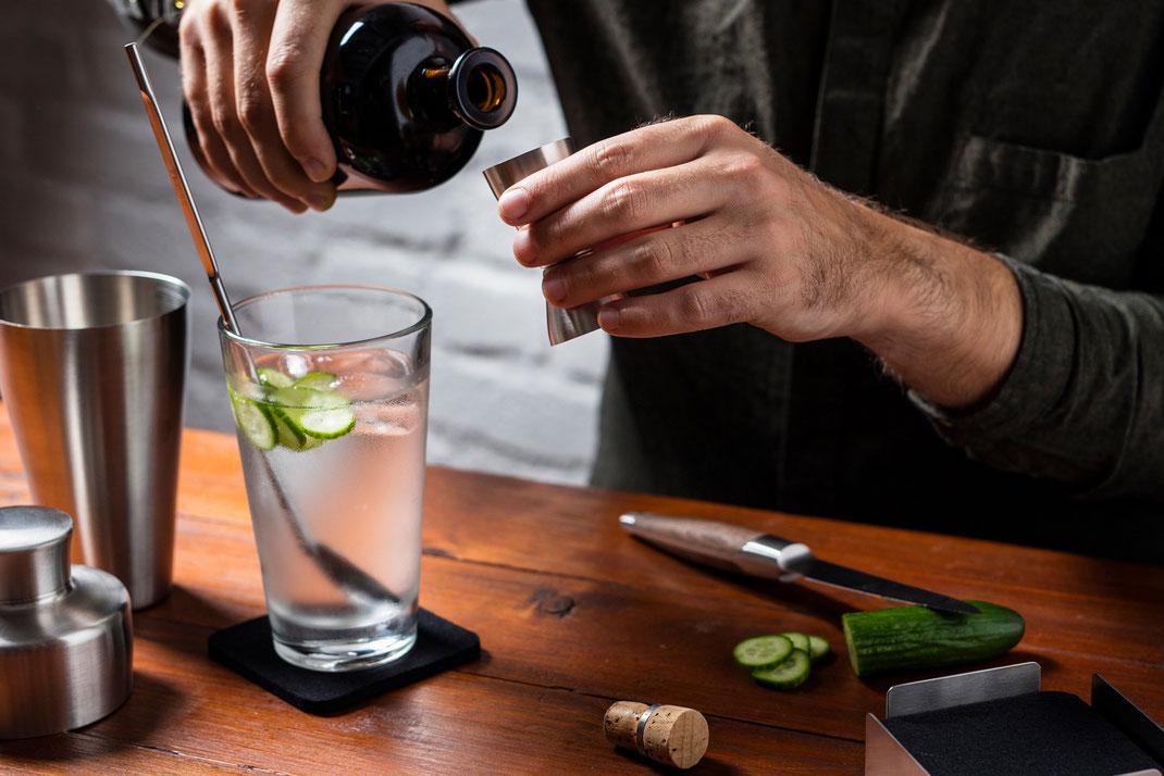 In Zeiten von Corona werden wir Bartender und daher darf es in keiner Hausbar fehlen: Das Cocktail Set.