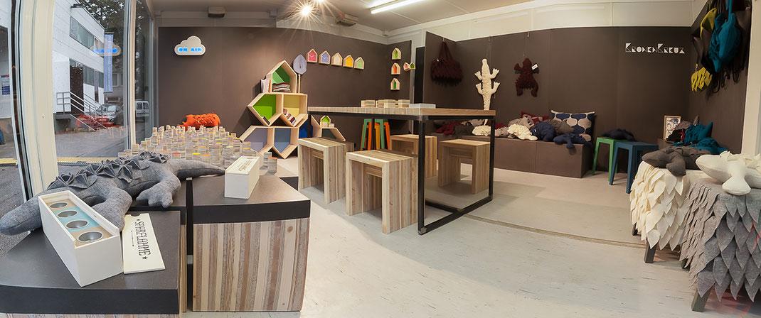 Die erste Ausstellung von Produkten des Labels KRONENKREUZ
