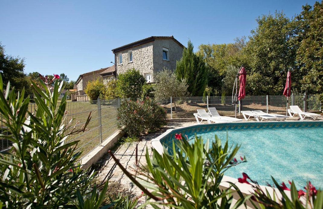 Ferienhaus, Garten und Pool in Pradons