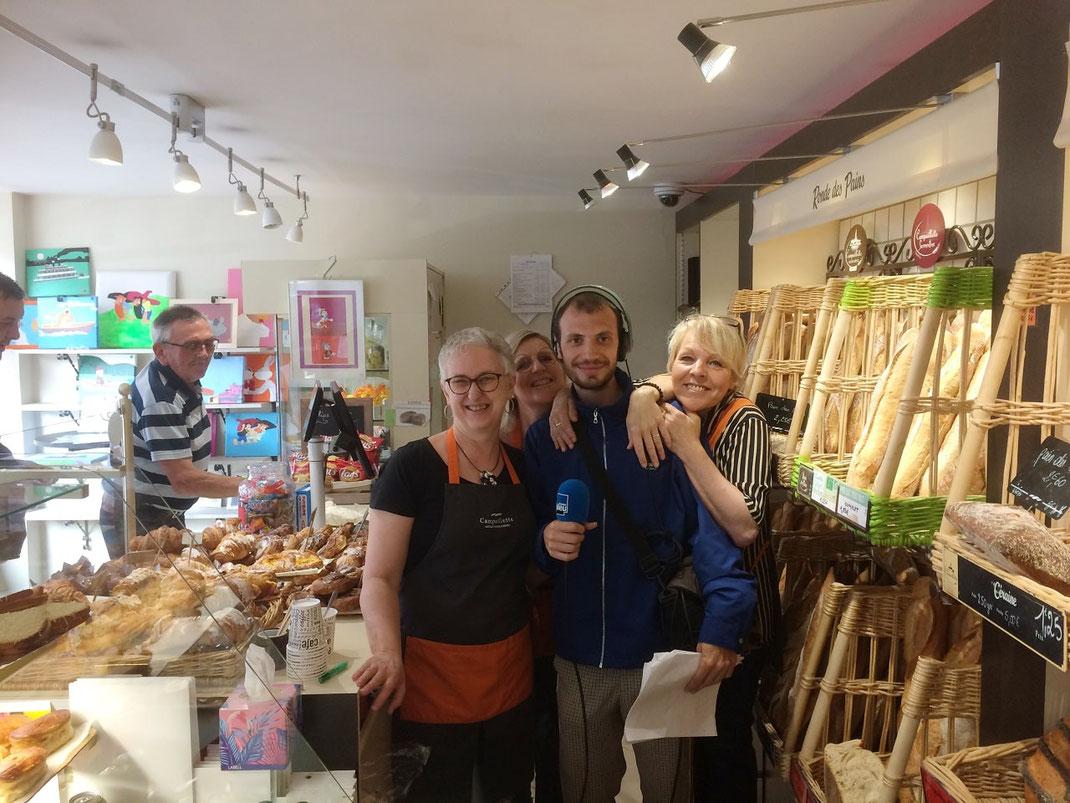 Félix MANGIN de France Bleu Lorraine Nord en reportage à la boulangerie Preisler de Courcelles-Chaussy