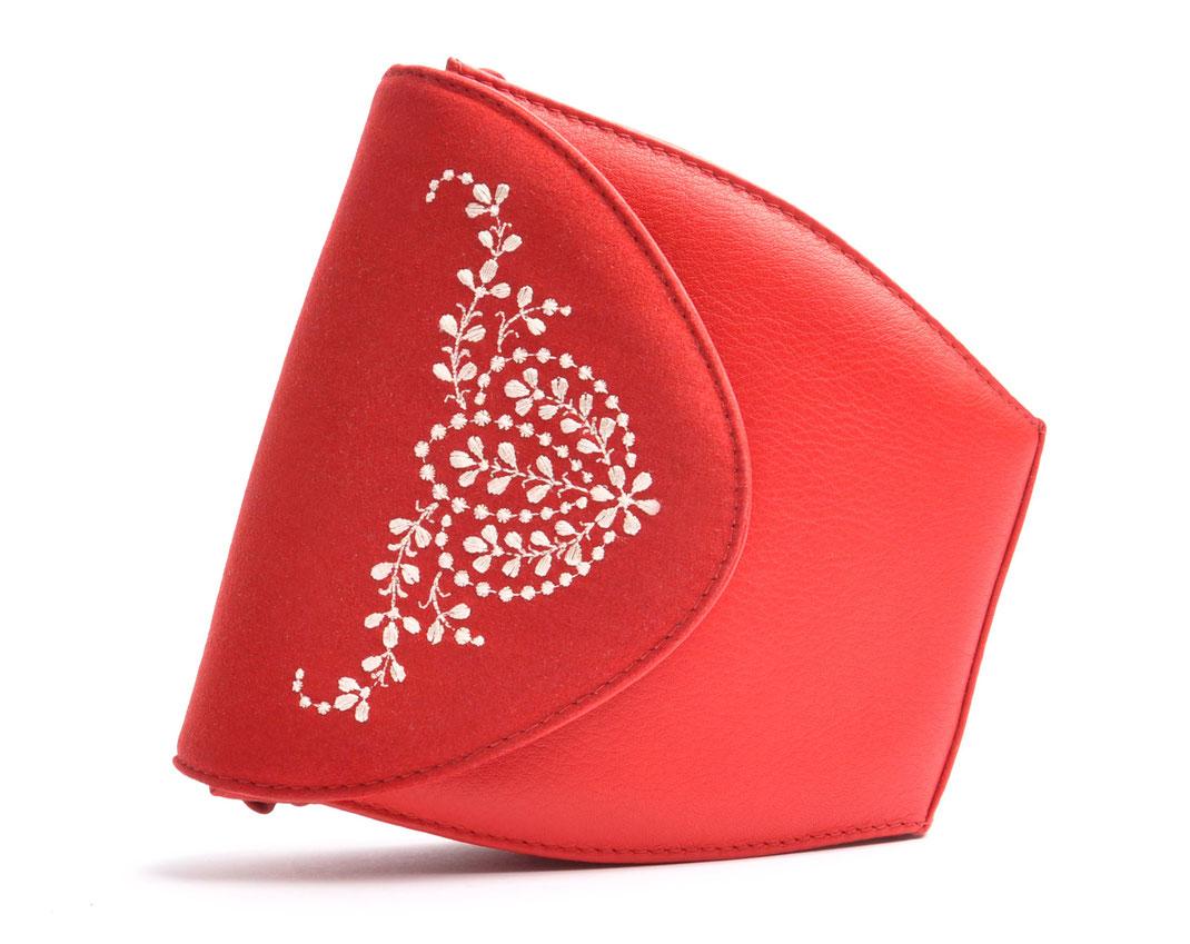 Dirndltasche  Schultertasche MARLA rot Leder  mit  Stickerei OSTWALD Traditional Craft