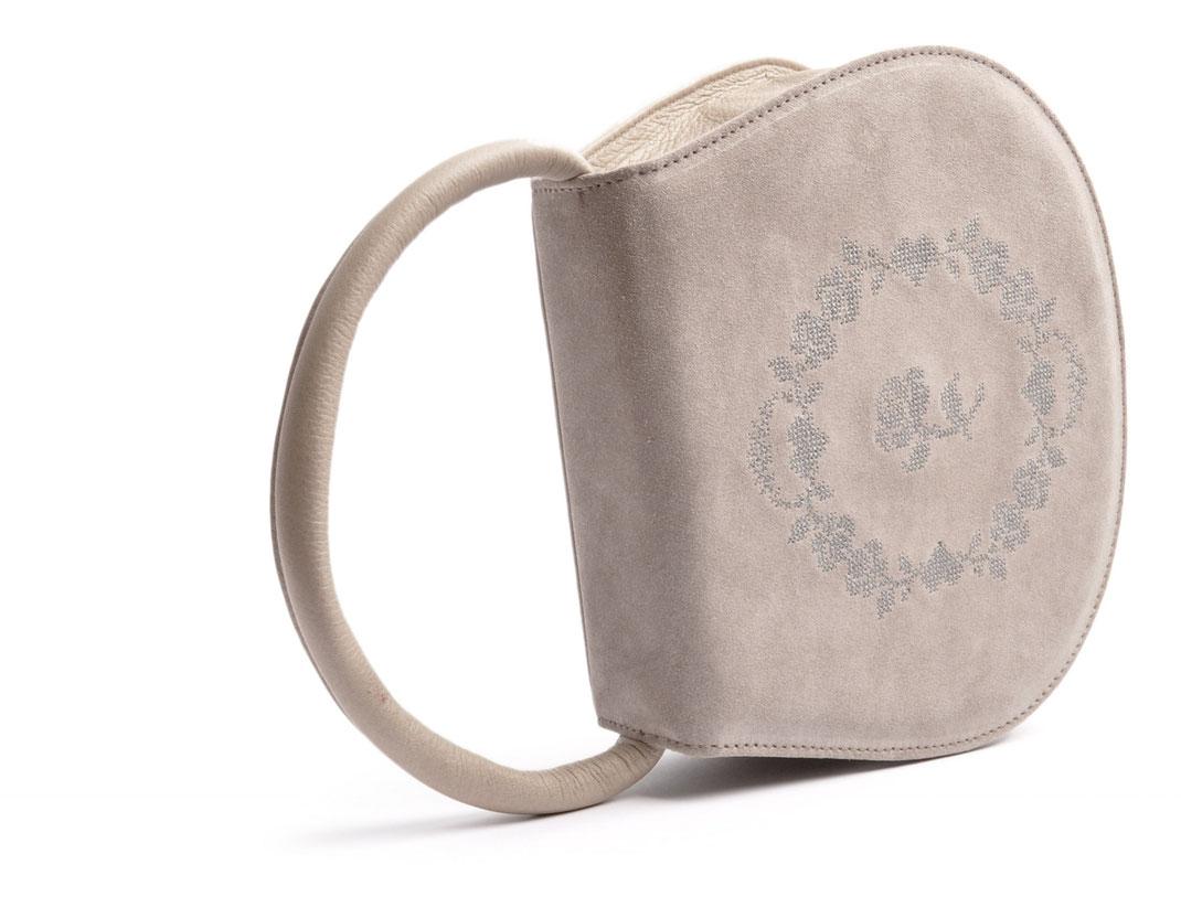 Handgefertigte Trachtentasche Leder grau OSTWALD Traditional Craft