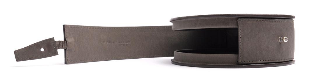 handgefertigte Henkeltasche GRETA Vintagelook Leder grau OSTWALD Tradition