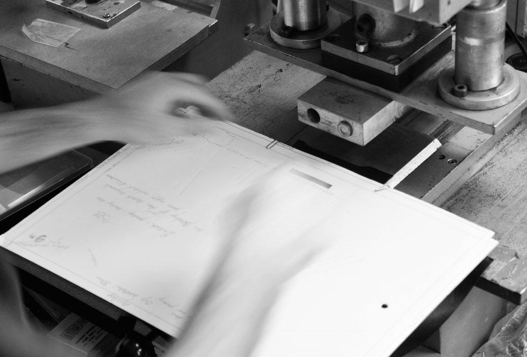 Manufaktur für edle Ledertaschen. OWA GmbH ein Familienbetrieb nach alter Tradition