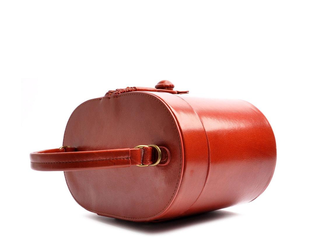 handgefertigte Henkeltasche CAMILLE Vintagelook Leder cognac OSTWALD Tradition