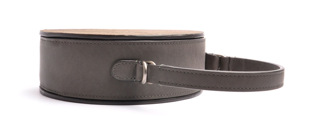 handgefertigte Trachtentasche GRETA Vintagelook Leder grau OSTWALD Tradition