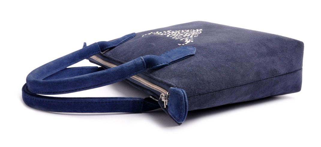Dirndltasche  Henkeltasche INÈS blau Stickerei OSTWALD Traditional Craft