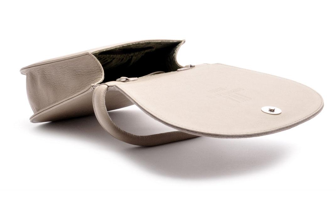Dirndltasche Trachtentasche grau versandkostenfrei . Kreuzstich . Ledermanufaktur OSTWALD