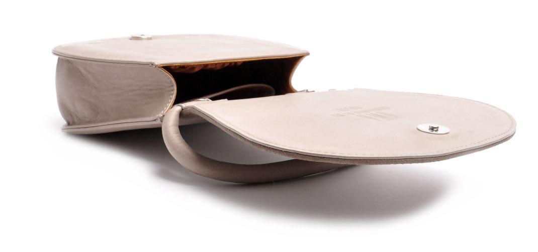 taupe Dirndltasche Trachtentasche  aus echtem Leder OSTWALD Ledermanufaktur