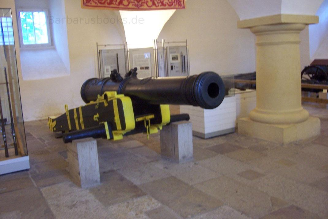 Geschütze in der Waffenausstellung Festung Königstein Sachsen