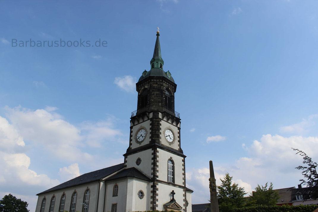 Kirchturm und Kirchenschiff der Stadt Frauenstein Sächsische Schweiz