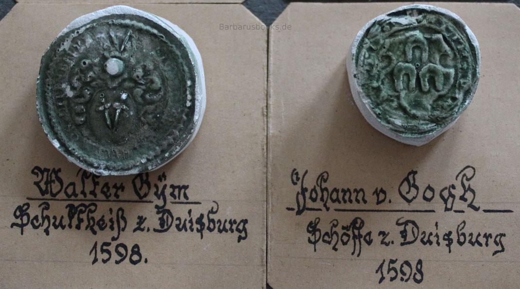 Zwei weitere Schöffensiegel aus Duisburg aus dem Jahr 1598.