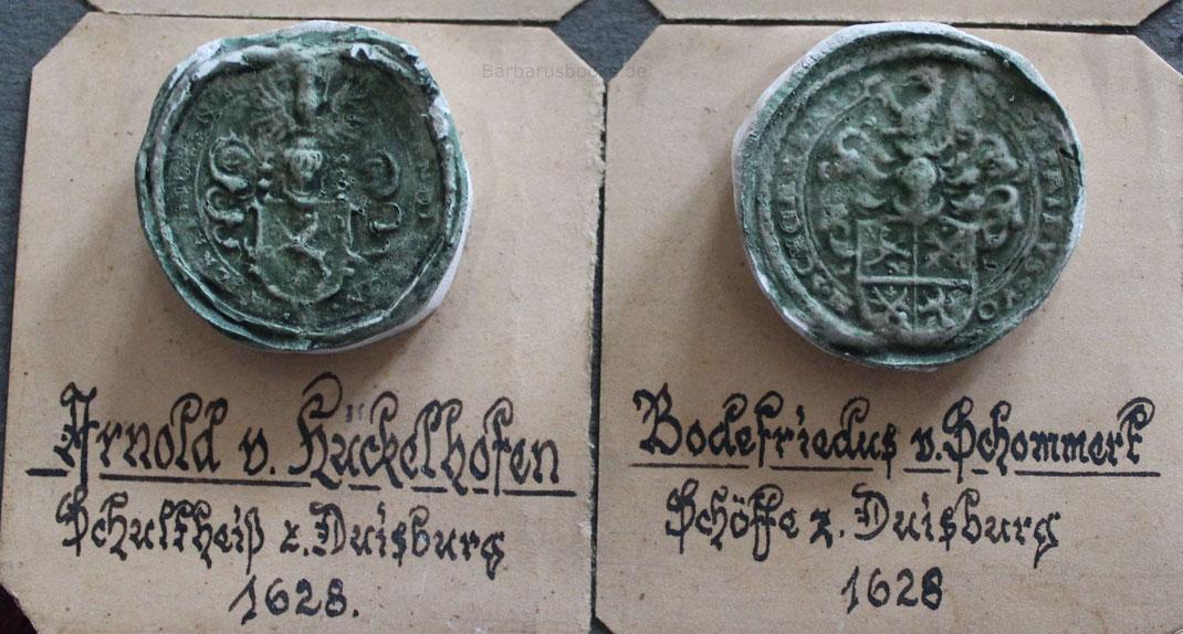 Zwei weitere Schöffensiegelabdrücke aus dem Jahr 1628. Man beachte rechts den seltenen Vornamen Bodefriedus