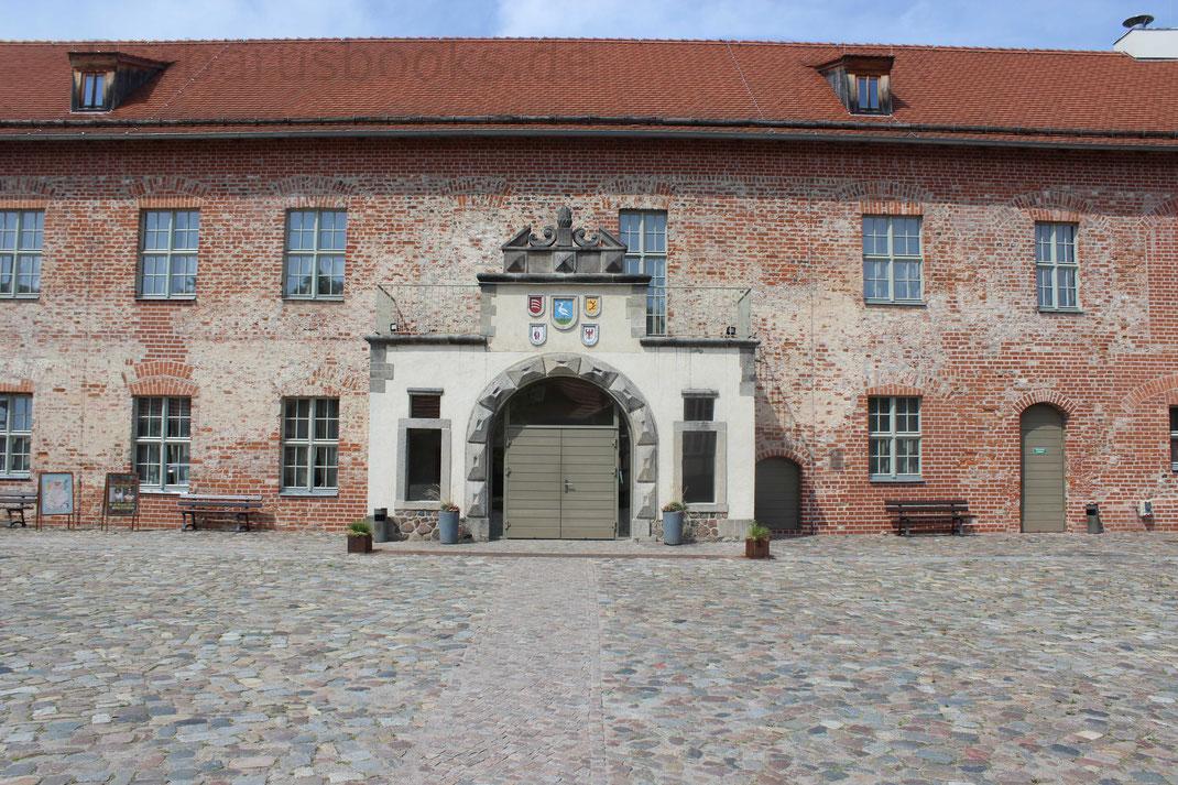 Museumsgebäude auf Burg Strokow / Brandenburg
