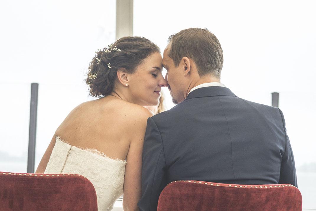 Hochzeitsfotografen Hamburg - intime Augenblicke während der Trauung am Strand