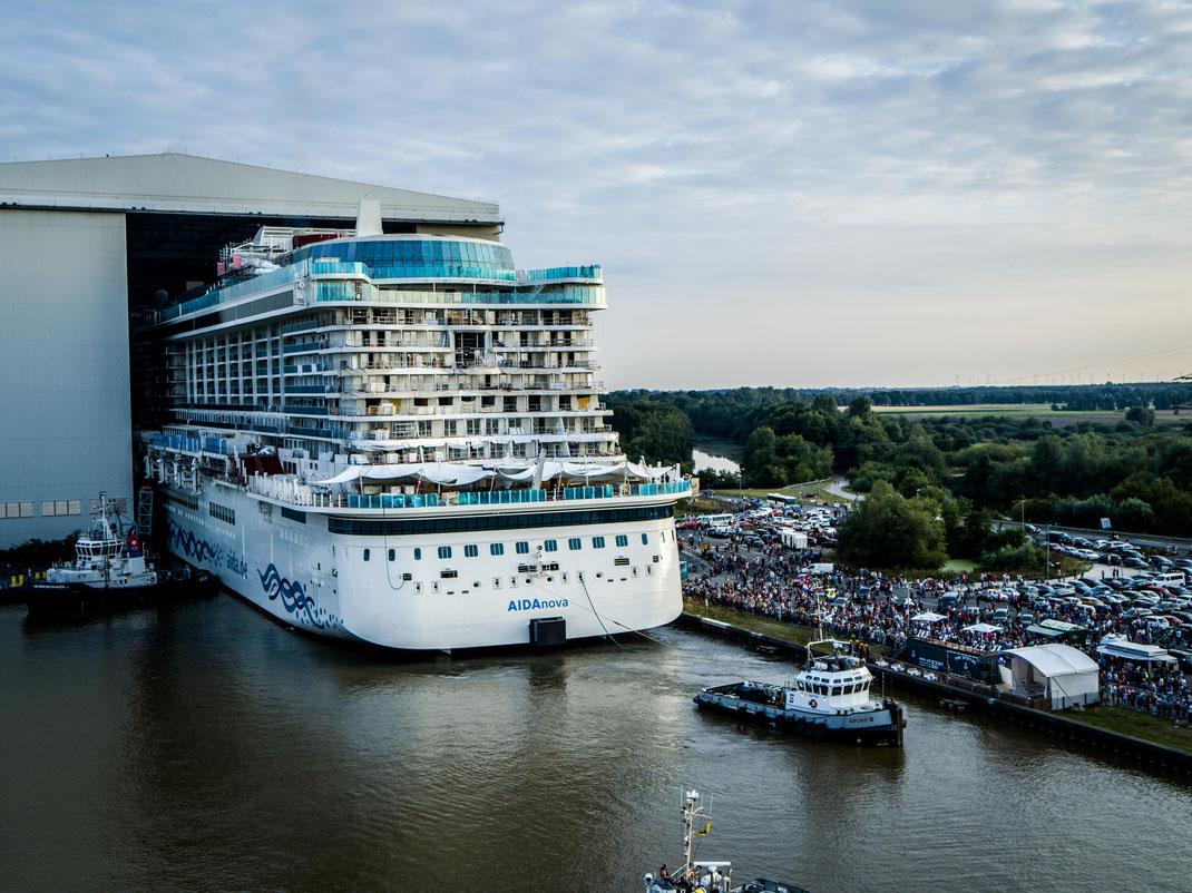 AIDAnova beim Ausdocken // © AIDA Cruises