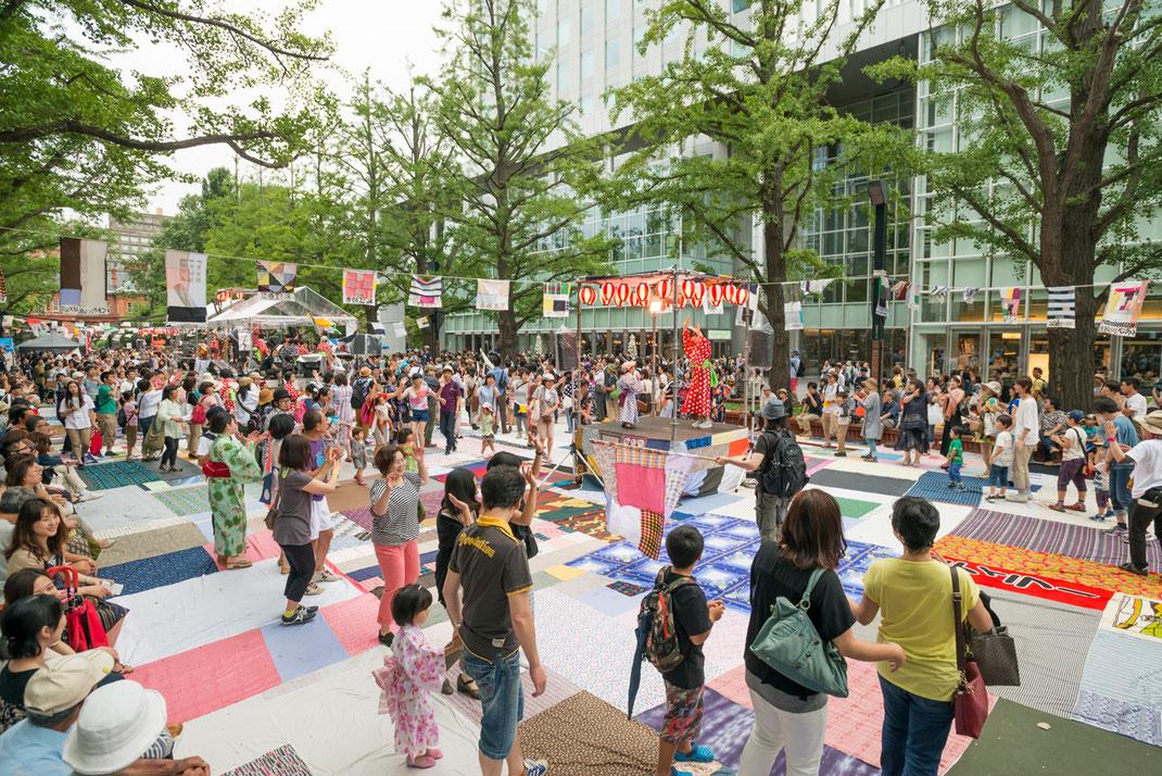 「札幌国際芸術祭(SIAF)2014での実施風景」撮影:ハレバレシャシン