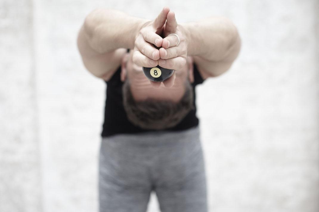 Ashtanga Yoga fördert gleichermaßen Kraft und Flexibilität. Körperlich wie geistig.