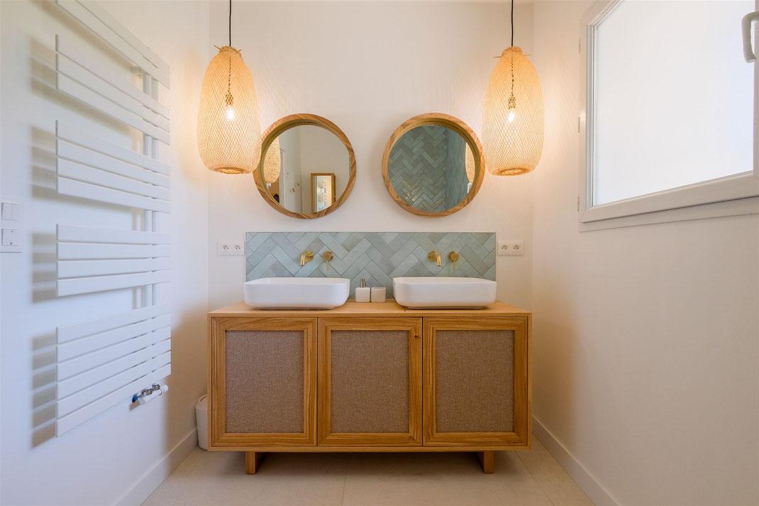 Projet de salle de bains par MP intérieurs, Architecte d'intérieur UFDI : plans et propositions de matériels et matériaux.