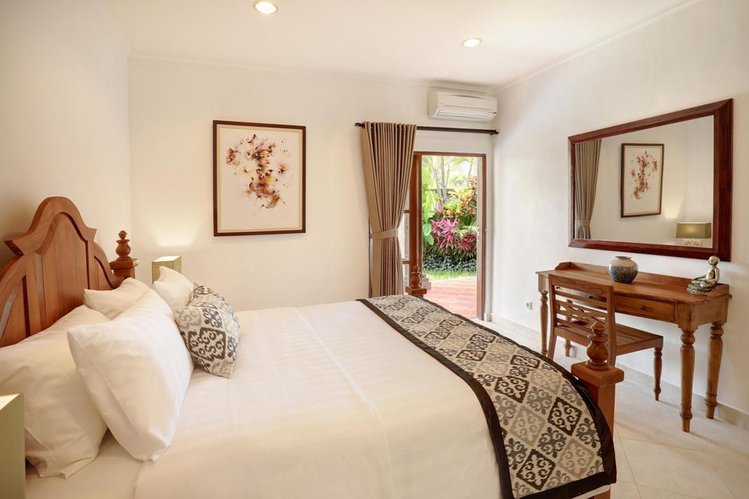 South Bali villa for sale by owner. Bukit villa for rent by owner