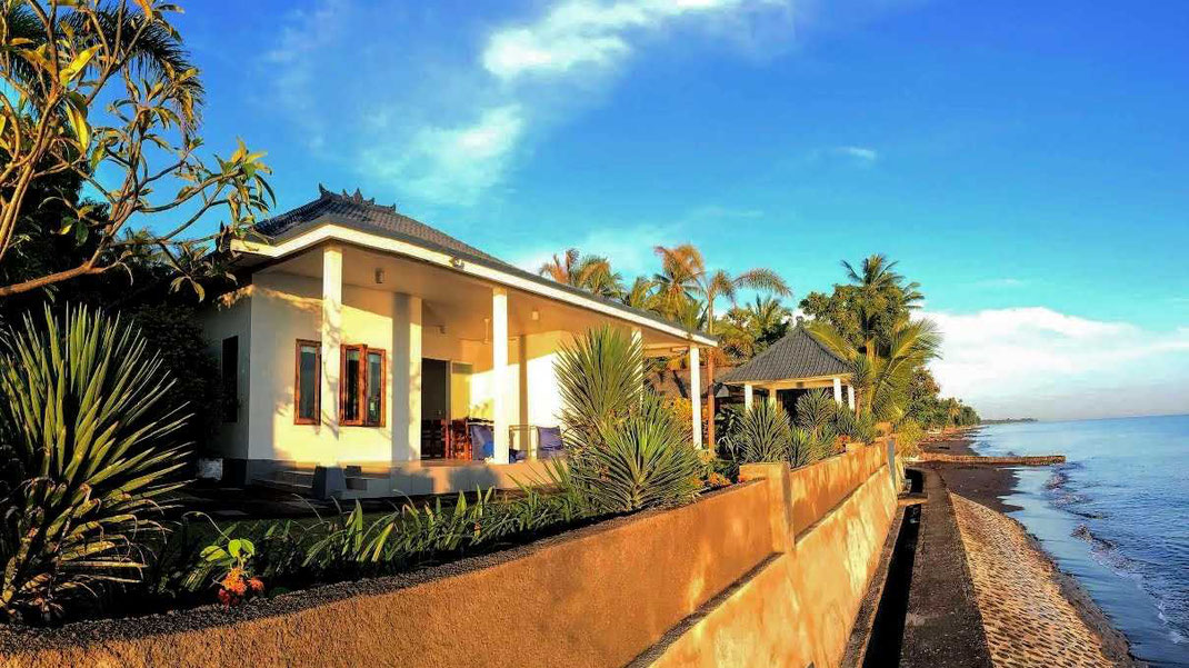 Air Sanih beachfront 3 bedroom villa for sale. Villa for sale by owner