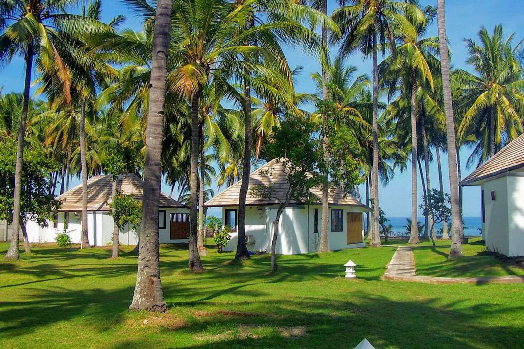North Lombok property for sale by Owner. Beachfront villa for sale by owner