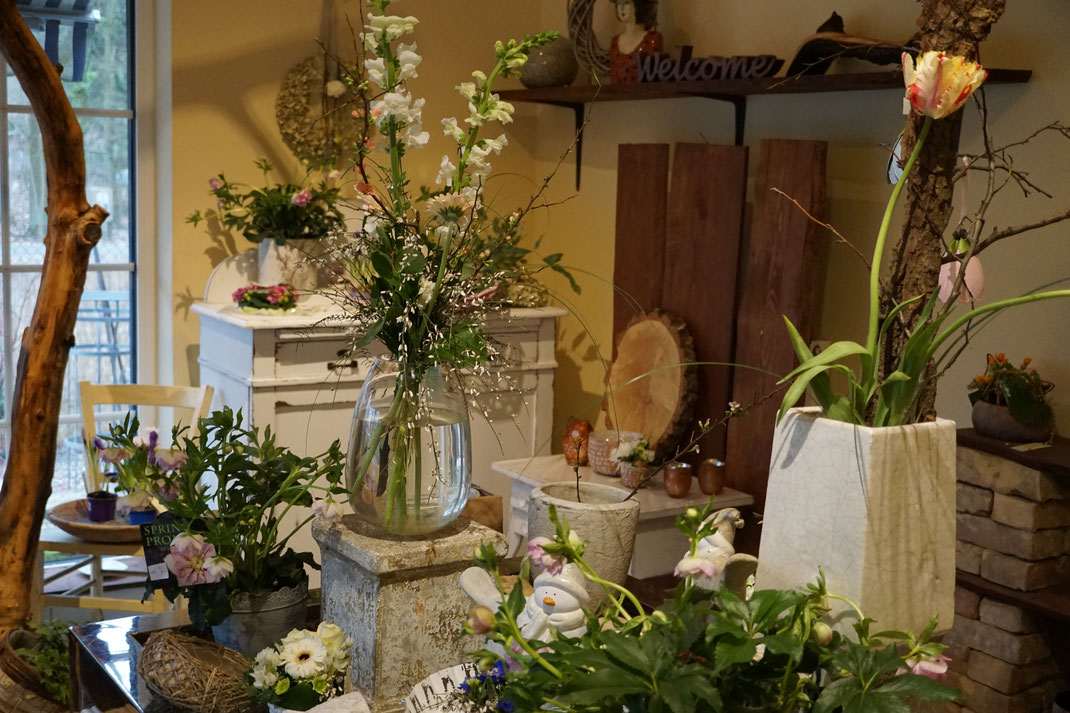 Frühlingsstrauss, Frühlingsgrüße, Blumen, Floristik in Schönwalde-Glien, Havelland und Berlin