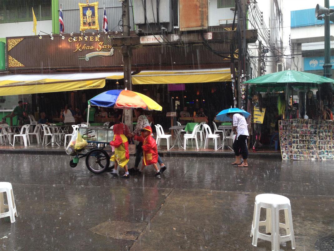 In der Regenzeit kann es eben auch mal regnen... Bangkok, Thailand (Foto Jörg Schwarz)