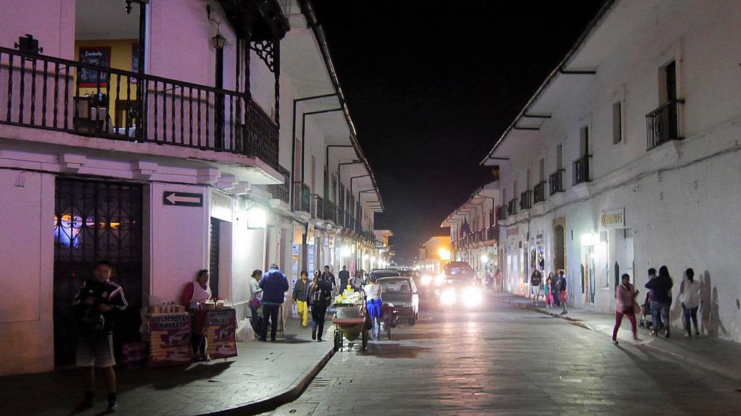 Auch in der Nacht eine Augenweide: Popayán, Kolumbien (Foto Jörg Schwarz)