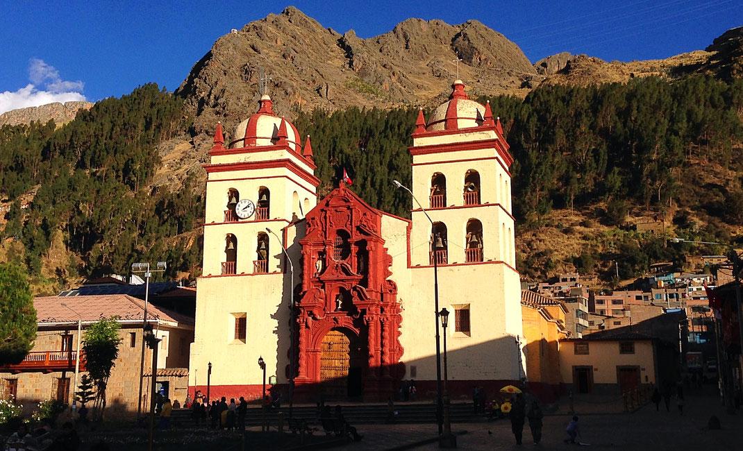 Die Kathedrale von Huancavelica ist innen wie außen eine Augenweide, Huancavelica, Peru (Foto Jörg Schwarz)