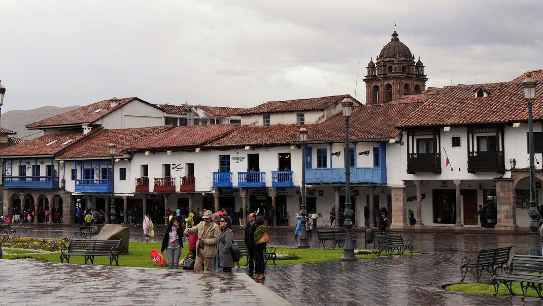 Regen in Cusco - da sieht auch die schönste Stadt traurig aus... Cusco, Peru (Foto Jörg Schwarz)