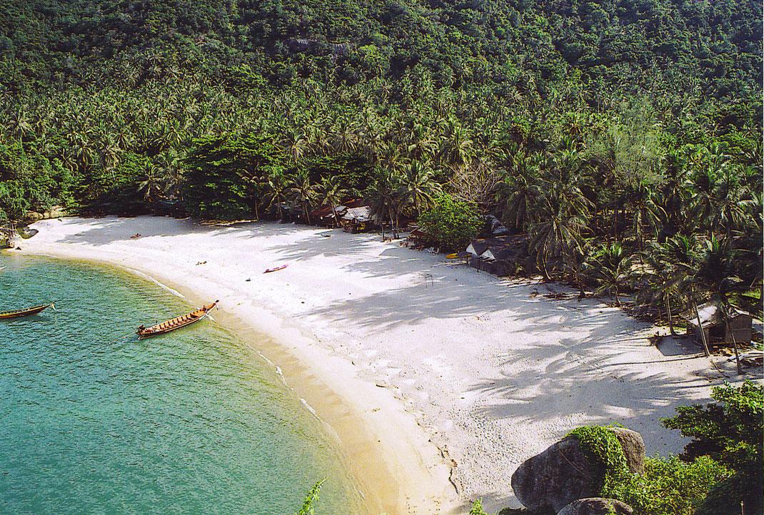Die große Bucht des aus zwei Buchen bestehenden Strandes (Foto Jörg Schwarz)