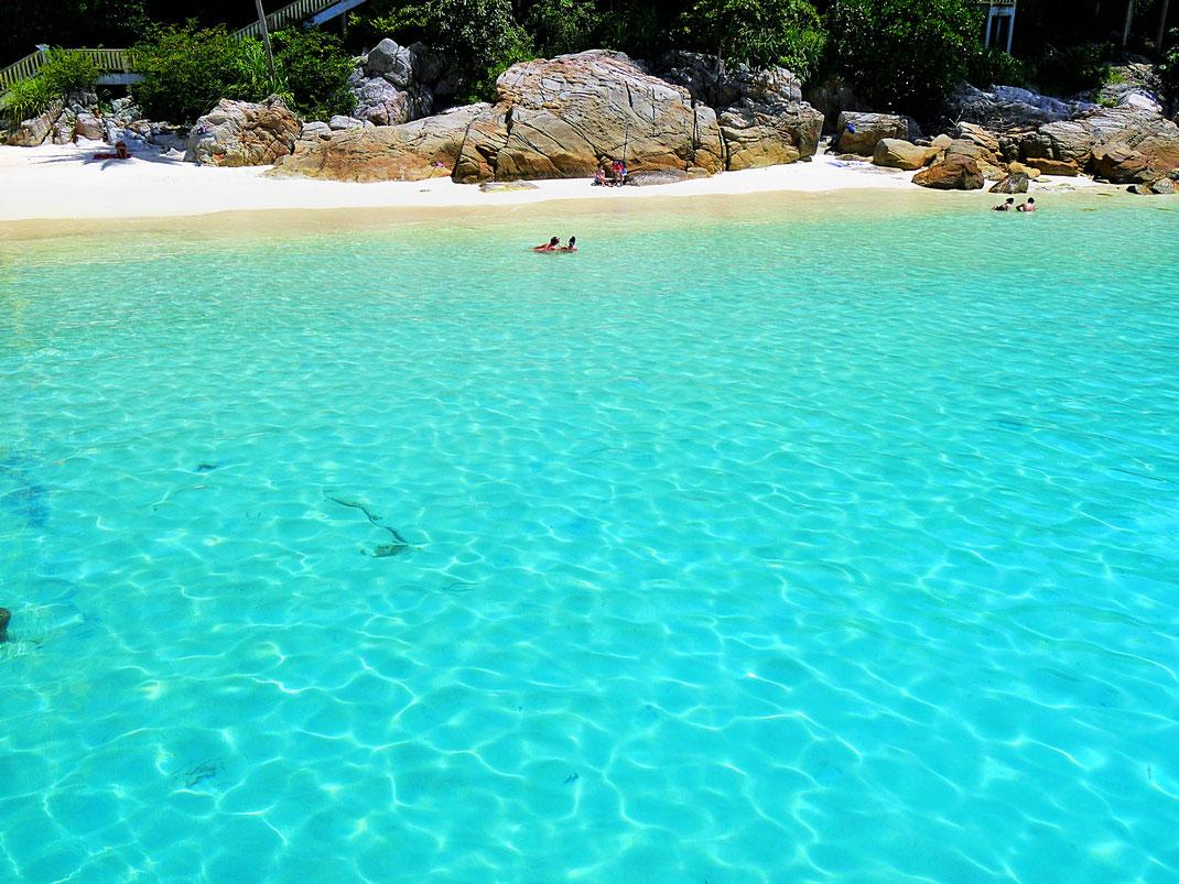 Ein Wasser das keiner Worte bedarf... Teluk Pauh, Pulau Perhentian, Malaysia (Foto Jörg Schwarz)