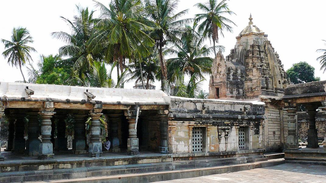 Spurenwechsler Reiseblog Reise TIP BLOG In der Spur Indien Belur Schwarz Jörg Kultur Highlights