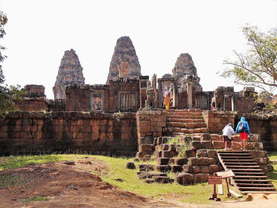 Der sog. Östliche Mebon war einst Mittelpunkt eines riesigen künstlichen Sees... Heute nicht mehr vorstellbar! Östlicher Mebon, Kambodscha (Foto Jörg Schwarz)