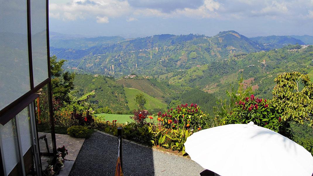 Wie fürchterlich privilegiert muss man sein, um so zu zu wohnen...? Manizales, Kolumbien (Foto Jörg Schwarz)