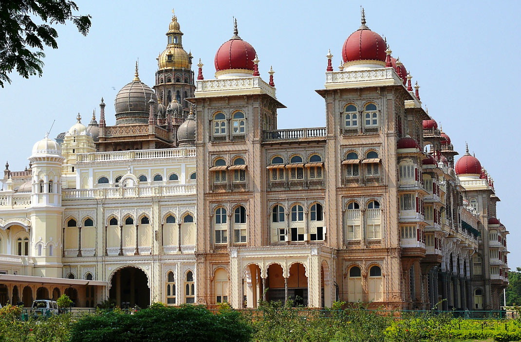 Spurenwechsler Reise blog Reiseblog Schwarz Jörg TIPS Kultur Highlights Tempel Paläste Mysore Maharadscha Indien