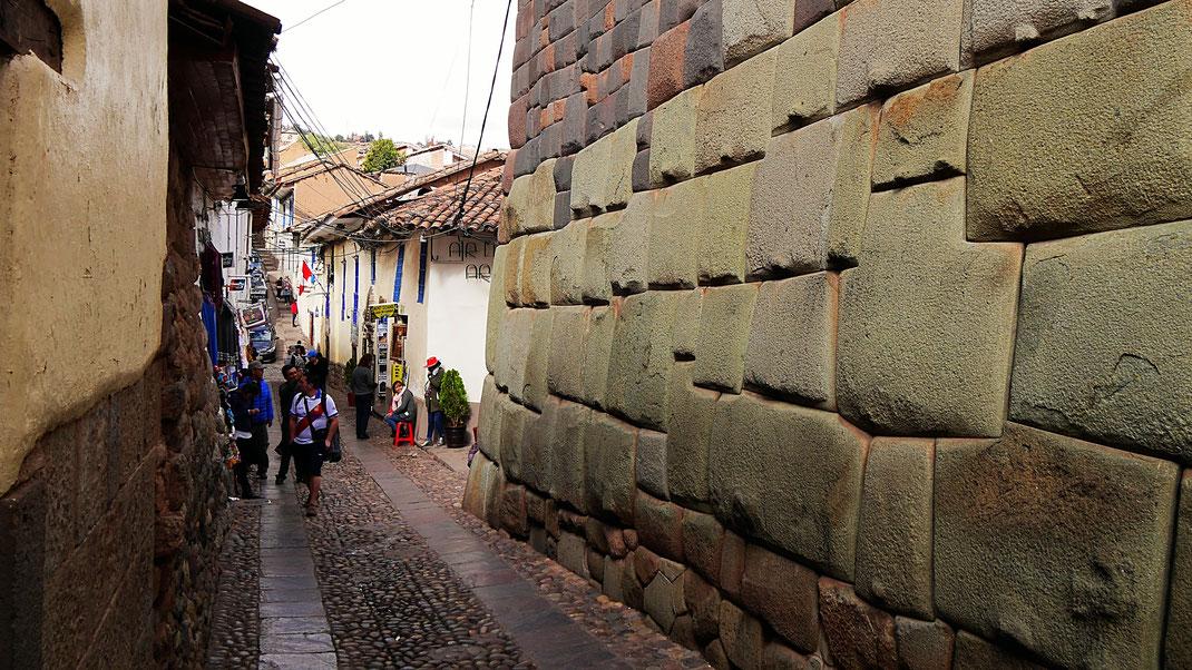 Reste einer gut erhaltenen Inkamauer in Cusco, Cusco, Peru (Foto Jörg Schwarz)